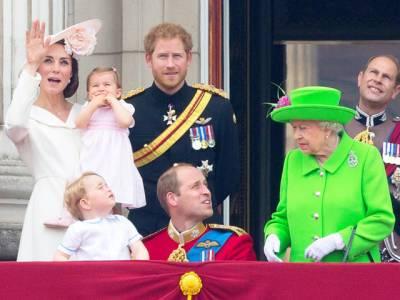 """ملکہ الزبتھ نے مستقبل کے برطانوی بادشاہ کو """"ڈانٹ """" پلادی"""