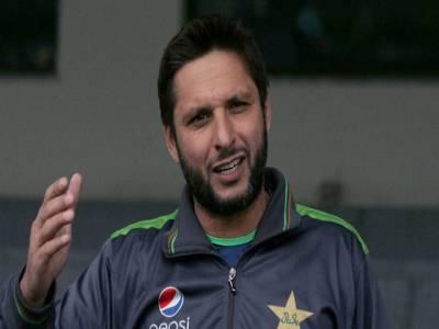 شاہد آفریدی کا انگلینڈ میں پاکستان کرکٹ ٹیم کے اعزاز میں عشائیہ