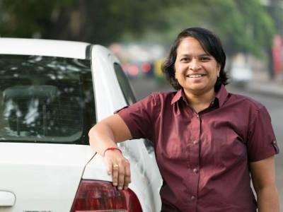 بھارت کی پہلی خاتون ٹیکسی ڈرائیور پراسرار طور پر ہلاک' نعش چھت سے لٹکتی ملی