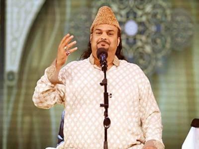 اہلخانہ کی امجد صابری کی قبر پر فاتحہ خوانی، بیرون ملک منتقل ہونے کی دھمکیاں افواہ ہیں: ثروت صابری
