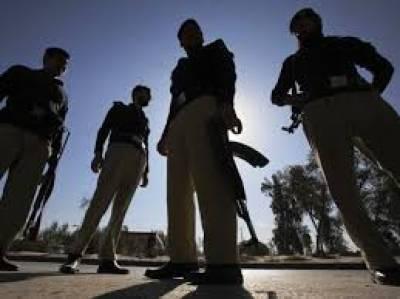 پولیس کی کراچی ایئرپورٹ کے قریب کاروائی، جعلی پولیس موبائل پکڑ لی ،پانچ ملزمان بھی گرفتار