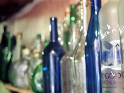 بھارتی ریاست اترپردیش میں زہریلی شراب پینے سے21 افراد ہلاک، درجنوں متاثر