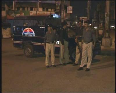 کراچی میں پولیس مقابلہ ،چار دہشت گرد ہلاک ،دھماکہ خیز مواد برآمد