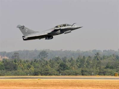 """""""بھارت نے پاکستان پر حملہ کرنے کی مکمل تیاری کر لی تھی اور اپنے جنگی طیاروں کو پاکستانی کرنسی سے بھر دیا تھا تاکہ۔۔۔"""" تہلکہ خیز انکشاف منظرعام پر، حملہ کیوں نہ کر سکا؟ آپ بھی جانئے"""