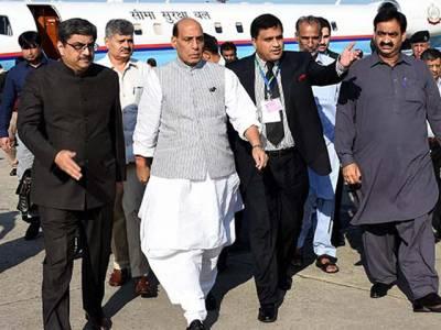 سارک وزرائے داخلہ کانفرنس میں پاک بھارت کشیدگی عروج پر ،پاکستانی وزیر داخلہ نے اپنے بھارتی ہم منصب سے ہاتھ بھی بمشکل ملایا ،راج ناتھ سنگھ چوہدری نثار کے رویے سے ناراض ہو گئے :بھارتی میڈیا