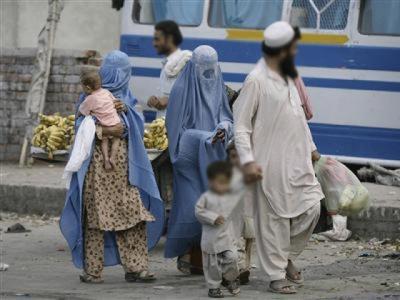 افغان مہاجرین نے پاکستان میں مزید قیام کی اجازت مانگ لی