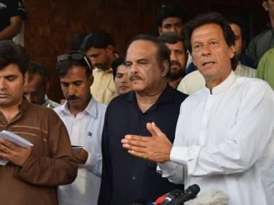 مسلم لیگ ن مجھے بلیک میل کر کے کرپشن کے خلاف مہم سے پیچھے ہٹانا چاہتی ہے :عمران خان
