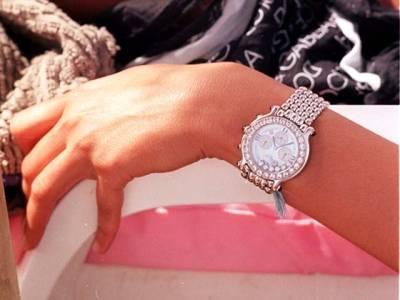 سعودی شہزادی پر پیرس میں چوروں کاحملہ،ملزمان ساڑھے آٹھ لاکھ پاونڈ کی قیمتی ترین گھڑی چھین کر فرار