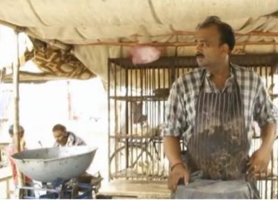 خود دار باپ کی خود دار اولاد: حبیب جالب کے بیٹے نے حکومتی امداد کی بجائے مرغی کے گوشت کی دکان پر ملازمت کر لی