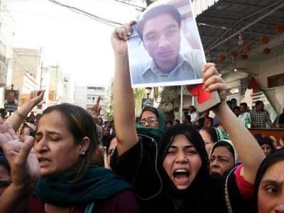 کراچی پانی ،پانی ،ایم کیو ایم نے لاپتہ کارکنوں کی بازیابی اور غیرقانونی چھاپوں کے خلاف اتوار کے روز نکالی جانے والی احتجاجی ریلی ملتوی کر دی