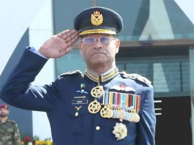 ایئرچیف مارشل سہیل امان کی آمد پر سری لنکا کے چاق و چوبند دستے نے گارڈ آف آرنر پیش کیا :ترجمان پاک فضائیہ