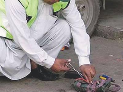 نصیر آباد: پولیس کانسٹیبل کی بہادری، حفاظتی سامان نہ ہونے کے باوجود بم ناکارہ بناتے ہوئے شہید، بلوچستان کو بڑی تباہی سے بچا لیا