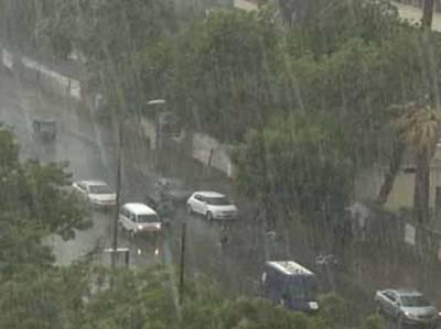 اسلام آباد اور راولپنڈی میں تیز ہواﺅں کے ساتھ بارش ،موسم خوشگوار ہو گیا