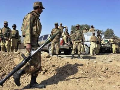 پاک فوج کی خفیہ اطلاع پر جگوٹ میں کاروائی،دو دہشتگرد گرفتار ،اسلحہ اور خود کش جیکٹ برآمد