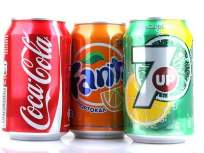 کوکاکولا اورپیپسی کا ذائقہ پلاسٹک کی بوتل کی بجائے کین میں بہتر کیوں ہوتا ہے؟ ایسی وجہ سامنے آگئی کہ بالآخر معمہ حل ہوگیا