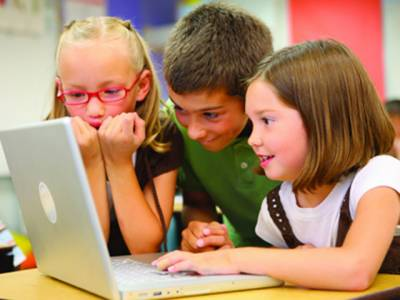 بچے اور بچیاں انٹرنیٹ پر کیا دیکھتے ہیں، دونوں کی عادت میں کیا فرق ہے؟ پہلی مرتبہ تحقیق میں حیران کن انکشاف سامنے آگیا، وہ بات جو والدین کو ضرور معلوم ہونی چاہیے