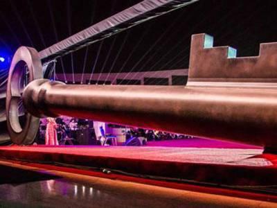 قطر میں دنیا کی سب سے بڑی چابی تیار