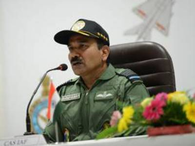 طاقت سے کشمیر پر قبضہ کیا، تینوں بھارتی افواج نے پاکستان توڑنے ، بنگلہ دیش بنانے میں اہم کردار ادا کیا: انڈین ایئر چیف