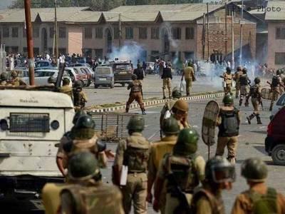 مقبوضہ کشمیر:بھارتی فورسز کی نہتے مظاہرین پر پیلٹ گن سے فائرنگ خواتین بچوں سمیت 100سے زائد زخمی