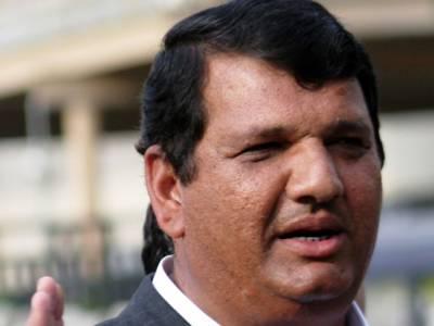 عمران خان نے دھرنوں کے ذریعے اپنے کارکنوں کو ذلیل وخوار کیا، کنٹینر کی سیاست دم توڑ چکی: انجینئر امیر مقام