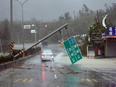 تائیوان میں رواں سال کے طاقتور ترین سمندری طوفان نے تباہی مچا دی ،لاکھوں افراد بجلی سے محروم