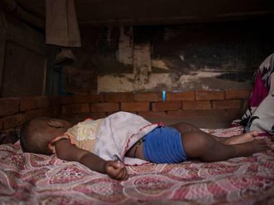 نوجوان بھارتی لڑکی رات کے 1 بجے سوکر اٹھی تو 11 ماہ کی بچی غائب تھی، رات سوتے میں کون چھین کر لے گیا اور پھر کہاں سے اور کس حالت میں ملی؟ ایسا دردناک انکشاف کہ جان کر آپ کا بھی دل خون کے آنسو روئے گا