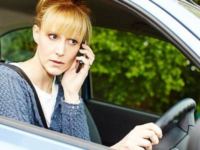 برطانیہ میں ڈرائیونگ کے دوران موبائل فون استعمال کرنے والے ہوشیار ، خبردار