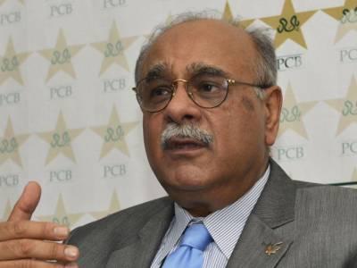 نجم سیٹھی نے سابق کرکٹرزسرفراز نواز اور عامر سہیل کے خلاف ایک ایک کروڑ روپے ہرجانے کے دعوے دائر کردیئے