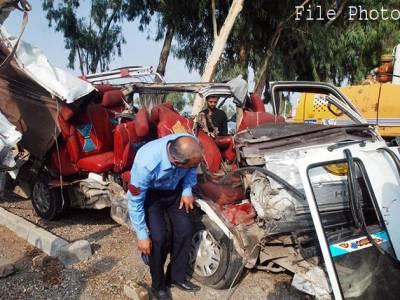 بریک فیل ہونے پر ٹرالر نے 6 گاڑیاں کچل دیں، 4افراد جاں بحق، 16 زخمی