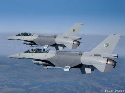 اسلام آباد کی فضاﺅں پر ایف 16کی پروازیں،پریشان نہ ہوں ہماری فورسز باخبر اور لڑائی کیلئے تیار ہیں،حامد میر کے ٹویٹ