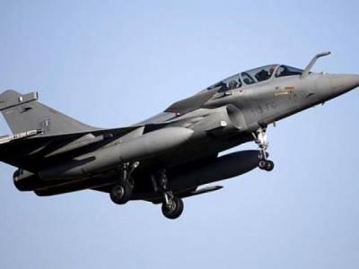 بھارتی جنگی جنون، بھارت کا فرانس سے 36 رافیل لڑاکا طیارے خریدنے کا معاہدہ
