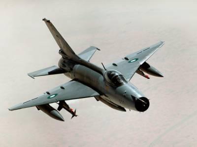 خیبر ایجنسی: جمرود کے پہاڑی علاقے میں پاک فضائیہ کا تربیتی طیارہ گر کر تباہ ، پائلٹ شہید