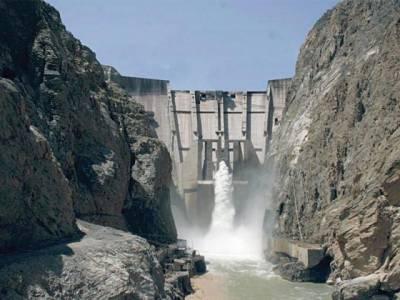 گومل زام ڈیم کی نہر کا ڈرین نالہ ادھورا چھوڑنے سے پورے علاقے میں سیم کا پانی ابھر گیا