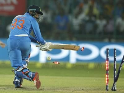 بھارت نے نیوزی لینڈ سے دوسرے میچ میں شکست کھانے کے بعد انتہائی شرمناک ریکارڈ اپنے نام کر لیا