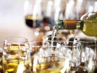 سندھ ہائیکورٹ نے شام تک تمام شراب خانے بند کرانے کا حکم دیدیا