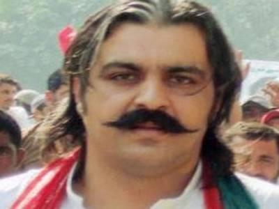 اسلحہ برآمدگی :رصوبائی وزیر علی امین گنڈا پور کے خلاف تھانہ بارہ کہو میں مقدمہ درج