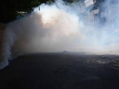 ہارون آباد پل موٹر وے پر دھماکے کی آواز،تحریک انصاف کے کارکنوں نے 4 کنٹینر ہٹادئیے،8 گاڑیو ں کو آگ لگادی