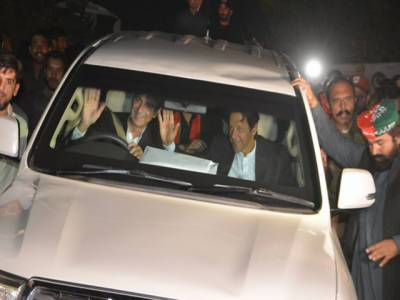 جہانگیر ترین نے ڈرائیونگ کرکے عمران خان کو جلسہ گاہ پہنچادیا