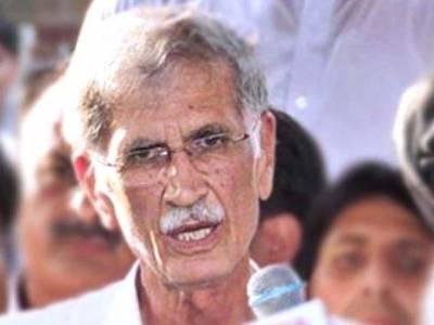 ڈرانے کیلئے کہا گیا گورنر راج لگ سکتاہے،جب عمران خان کہیں گے تو کرسی کو لات مار دوں گا :پرویز خٹک