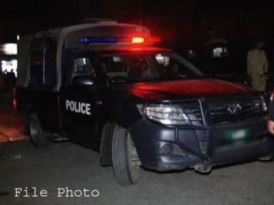 گوجرانوالہ میں سات سالہ بچی کو اغواءکے بعد قتل کر دیا گیا ،لاش کوڑے کے ڈھیر سے برآمد