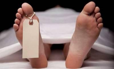 چک پکا سدھار خاوند نے گھریلو جھگڑے کے بعد بیوی کو گولی مار کر قتل کر دیا