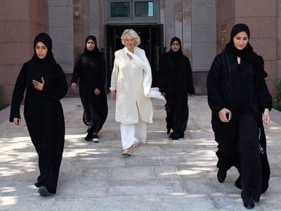 ابوظہبی کے دورے پر برطانوی شہزادی کو گھیرے میں لئے یہ 4 لڑکیاں کون ہیں؟ حقیقت ایسی کہ آپ کے تمام اندازے غلط ثابت ہوجائیں گے