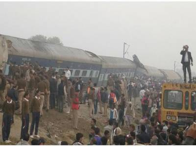 بھارت میں ریل گاڑی کے خوفناک حادثے میں 120افراد ہلاک اور 200سے زائد زخمی ہو گئے