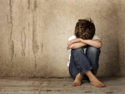 آوارہ گردی کے الزام میں گرفتار 8ویں جماعت کے طالبعلم سے 3کانسٹیبلوں کی زیادتی