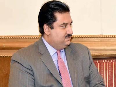پاکستان کا تجارتی خسارہ بڑھ کر 23 ارب 96 کروڑ ڈالر ہوگیا، اشیا کی قیمتیں گرنے سے برآمدات متاثر ہوئیں: خرم دستگیر