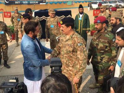 آفریدی پاکستان پہنچ گئے،جنرل راحیل شریف قوم اور میرے ہیروہیں ،کرکٹ اسٹیڈیم کے افتتاح پر ان کا شکریہ ادا کرتا ہوں :شاہد آفریدی