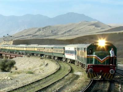 راہداری منصوبے کے تحت ٹریک ڈبل کرنے کے لئے غیر ملکی انجینئر ز نے ریلوے ٹریک کے قریب تجاوزات پر تحفظات کاا ظہار کردیا