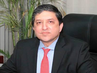 سینیٹر سلیم مانڈوی والا کا ٹریفک قوانین کی خلاف ورزی پر چالان کر دیا گیا