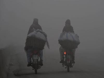 مغربی ہوائیں چلنے سے پنجاب میں آئندہ 2 روز دھند پڑے گی: محکمہ موسمیات