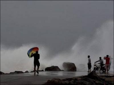 بھارتی شہر چنئی میں سمندری طوفان سے ،10 افرادہلاک ہو گئے ،نظام زندگی درہم برہم